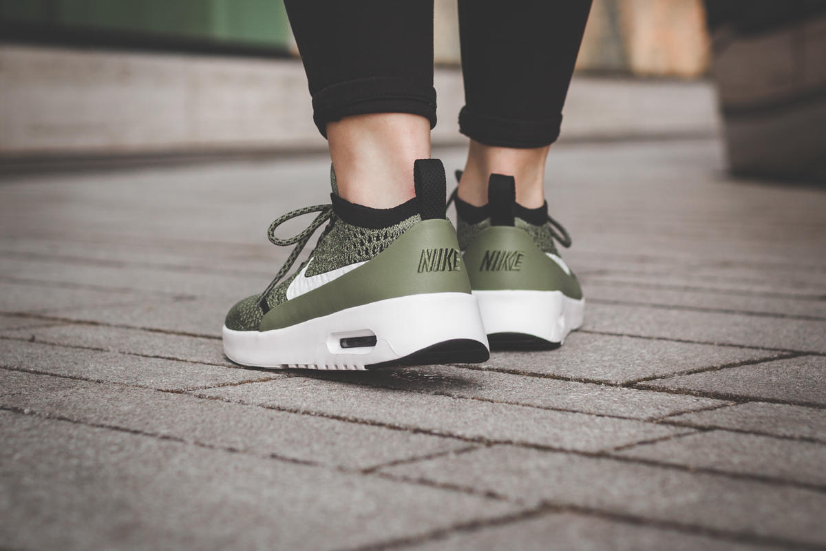 Nike Wmns Air Max Thea Ultra Flyknit Palm Green 881175