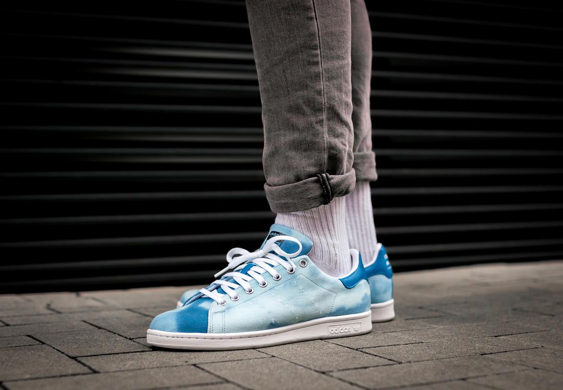 38 Herren Adidas PW HU HOLI Stan Smith Blau AC7045