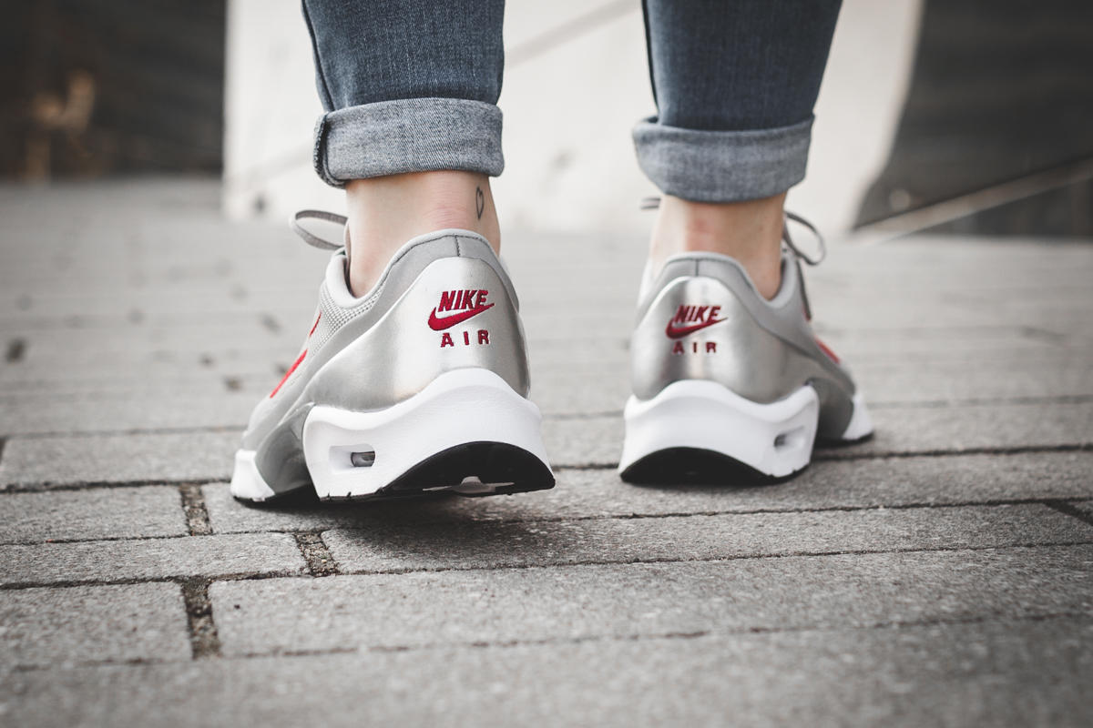 Nike Air Max Jewell QS