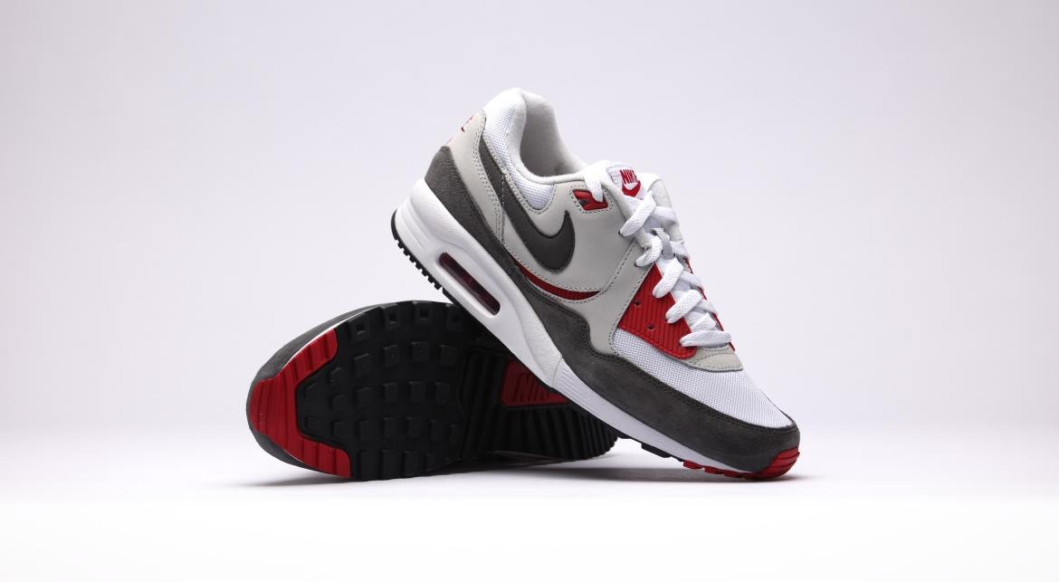 Nike Air Max Light Essential