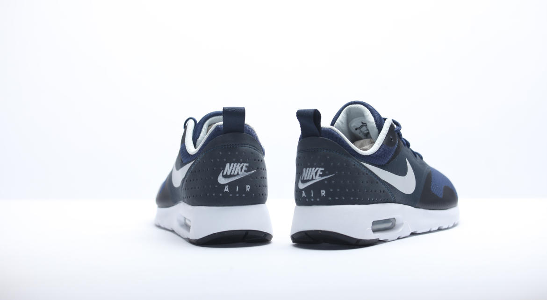 Nike Air Max Tavas White Midnight Navy 705149 401