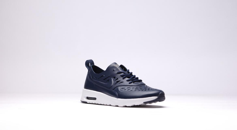Nike Black Air Max Thea Jolie Leather Sneakers