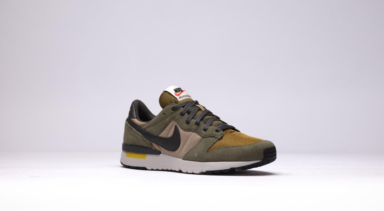 llave inglesa Cincuenta Al aire libre  Nike Archive '83.m