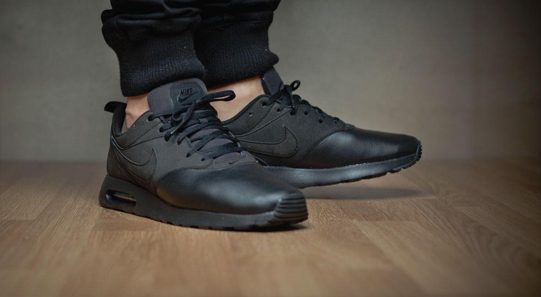Nike Air Max Tavas Leder Schwarz