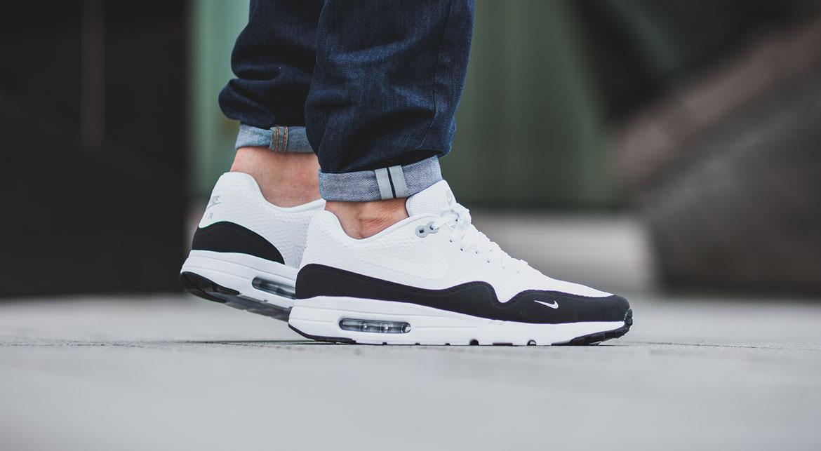air max ultra essential