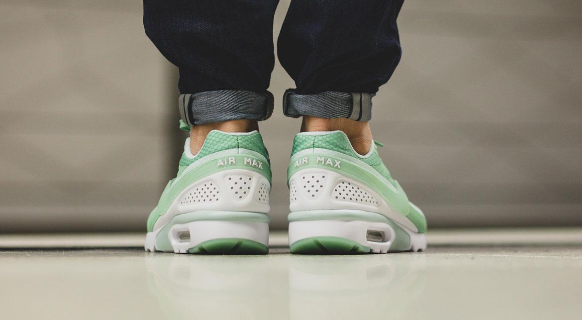 air max bw ultra enamel green