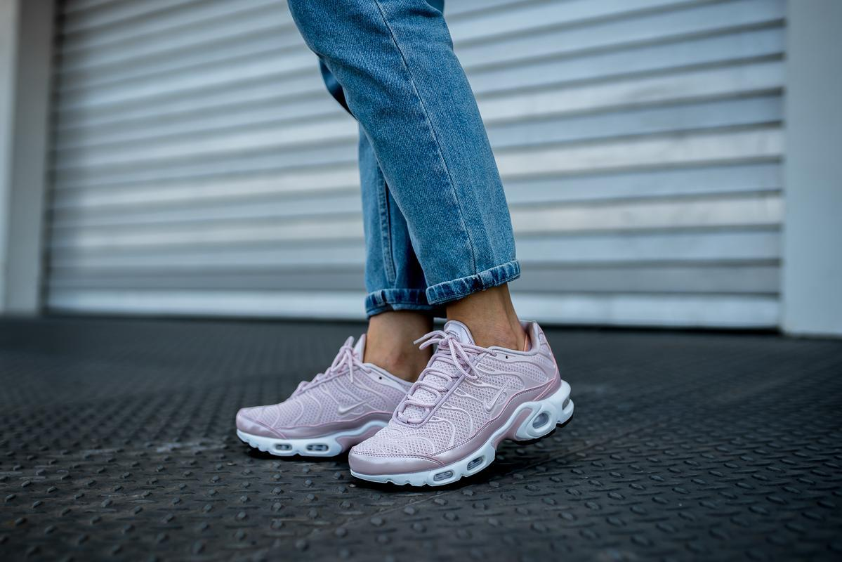 Großhandel Nike WMNS Air Max Plus Premium barely rose barely