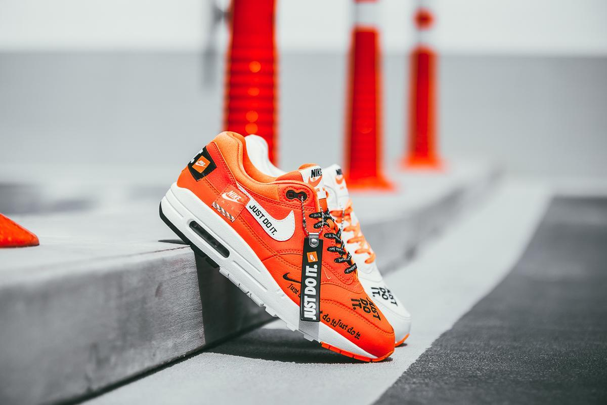 air max 1 lx just do it