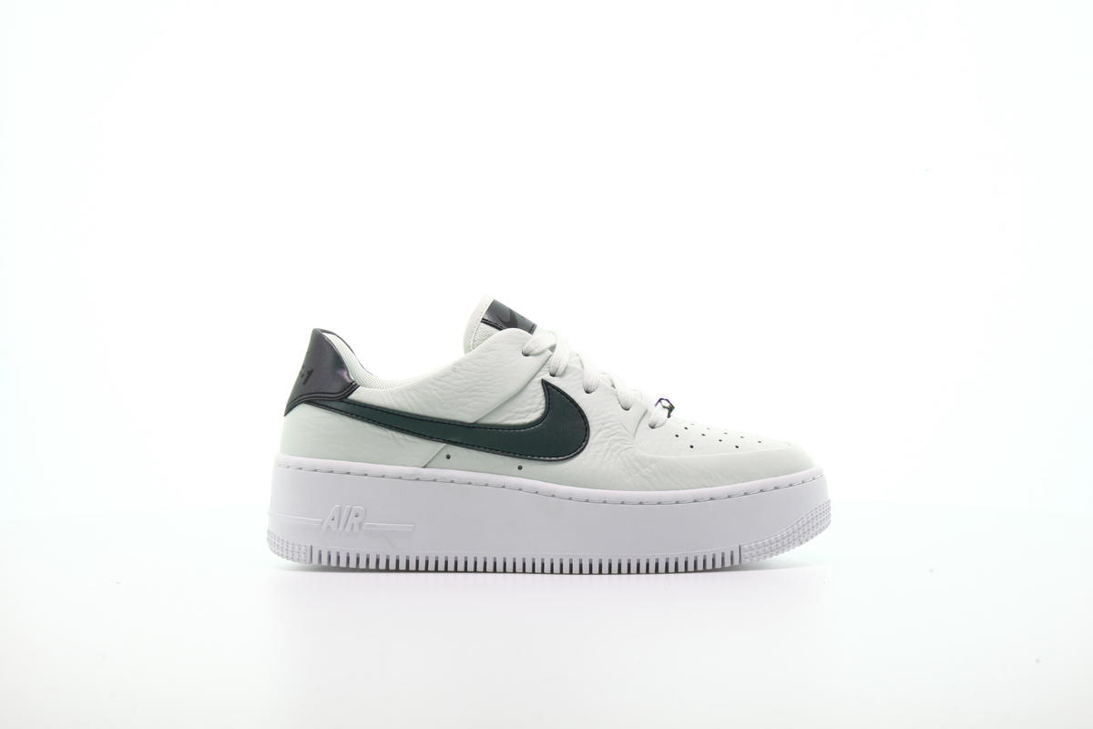 Nike WMNS Air Force Sage Low LX