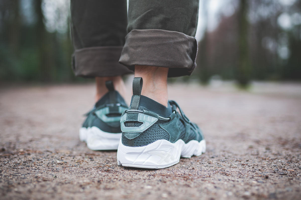 ASICS SportStyle GEL Mai Knit shoes green